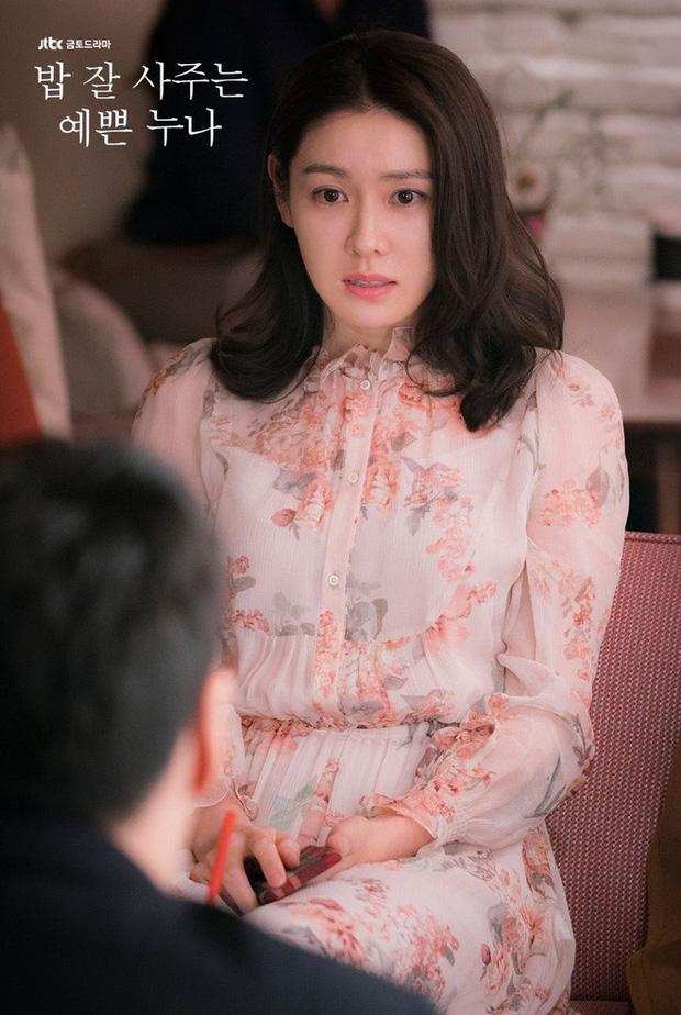 Song Hye Kyo đụng hàng Son Ye Jin: Đều xinh đẹp ngút ngàn nhưng thần thái liệu có cách biệt?-6