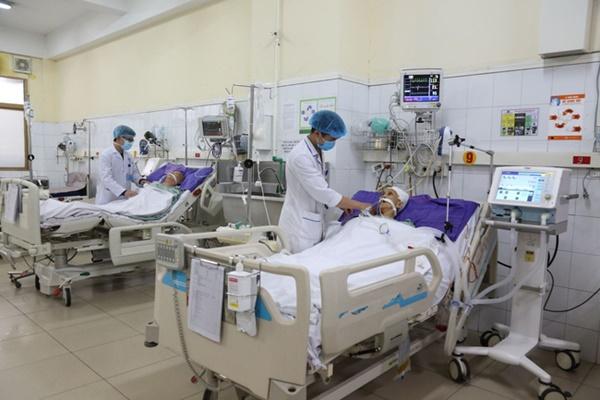 Gia tăng đột biến chỉ trong 2 tuần cấp cứu hơn 10 trường hợp xuất huyết não nặng-1