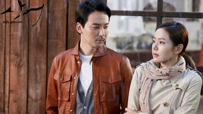 Những nguyên nhân khiến Hyun Bin và Son Ye Jin dù đang yêu đương cũng không bao giờ công bố, lý do cuối cùng lại liên quan tới Song Hye Kyo-2