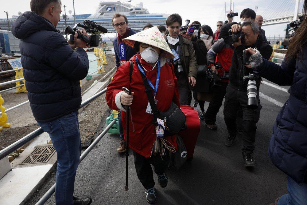 Cách ly thất bại, du thuyền ở Nhật trở thành lồng ấp virus-1