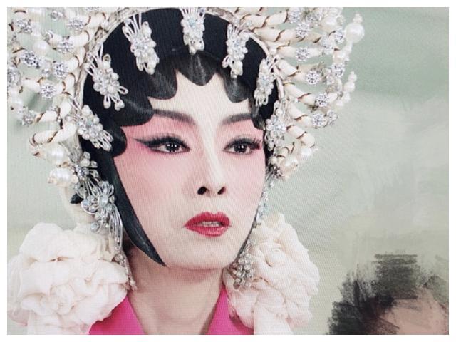 Bằng chứng thép 4 trên TVB: Sao nữ 65 tuổi - Mễ Tuyết, bố Tạ Đình Phong 84 tuổi gây sốc vì quá trẻ đẹp-5