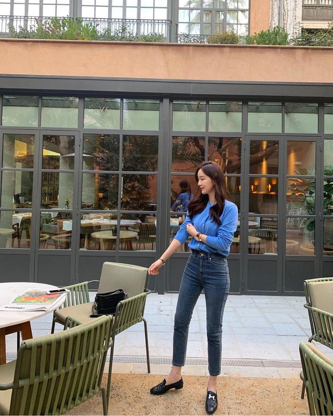 Quần skinny jeans đùng đùng hot trở lại và 12 cách diện bạn nên cập nhật ngay để sành điệu chẳng kém ai-10