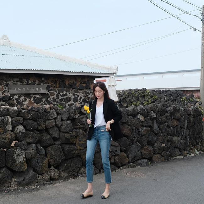 Quần skinny jeans đùng đùng hot trở lại và 12 cách diện bạn nên cập nhật ngay để sành điệu chẳng kém ai-9