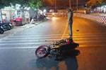 Chạy xe máy tốc độ cao tông vào con lươn ven đường, người đàn ông chết thảm-5
