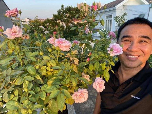 Bà xã Quyền Linh khoe vườn hồng ngập sắc, mọi sự trầm trồ lại đổ vào 2 cô công chúa-7