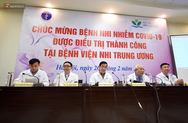 Chùm ảnh: Hành trình 9 ngày điều trị thành công cho bệnh nhi nhỏ tuổi nhất Việt Nam nhiễm COVID-19-7