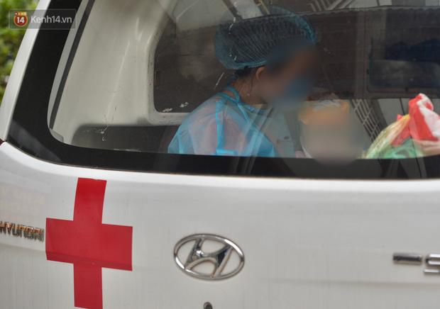 Chùm ảnh: Hành trình 9 ngày điều trị thành công cho bệnh nhi nhỏ tuổi nhất Việt Nam nhiễm COVID-19-12