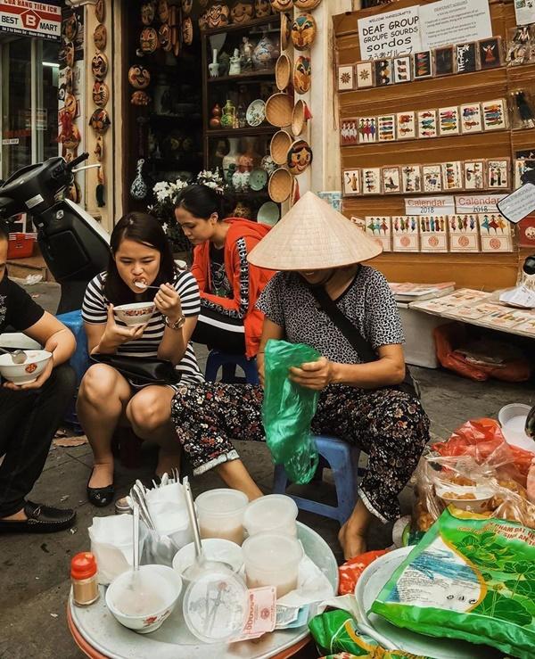 Ấm bụng ngày cuối đông với 5 hàng cháo thơm ngon, nóng hổi ở Hà Nội-3