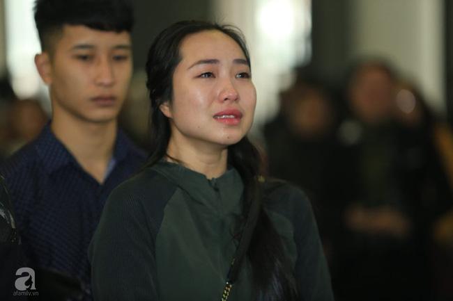 NS Xuân Bắc, ca sĩ Thanh Lam cùng rất đông các nghệ sĩ Việt rơi nước mắt khi tới tiễn đưa NSƯT Vũ Mạnh Dũng về nơi an nghỉ cuối cùng-3