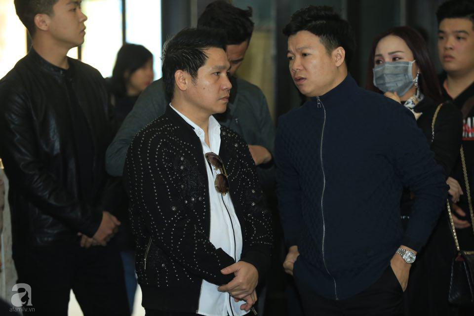 NS Xuân Bắc, ca sĩ Thanh Lam cùng rất đông các nghệ sĩ Việt rơi nước mắt khi tới tiễn đưa NSƯT Vũ Mạnh Dũng về nơi an nghỉ cuối cùng-7