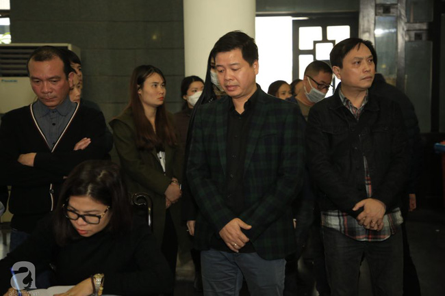 NS Xuân Bắc, ca sĩ Thanh Lam cùng rất đông các nghệ sĩ Việt rơi nước mắt khi tới tiễn đưa NSƯT Vũ Mạnh Dũng về nơi an nghỉ cuối cùng-14