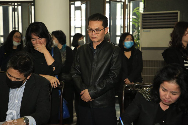 NS Xuân Bắc, ca sĩ Thanh Lam cùng rất đông các nghệ sĩ Việt rơi nước mắt khi tới tiễn đưa NSƯT Vũ Mạnh Dũng về nơi an nghỉ cuối cùng-17