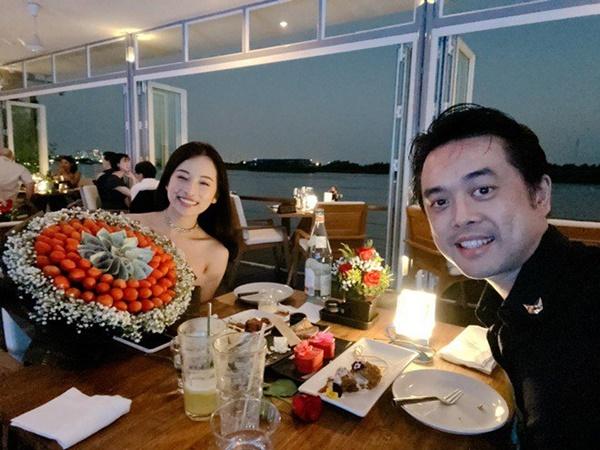 Chăm nấu cơm cho vợ 9x xinh đẹp,Dương Khắc Linh cũng nhận lại kết quả ấm lòng-1
