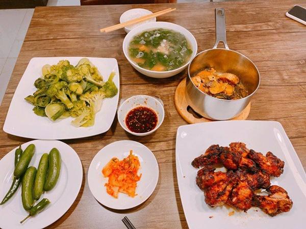 Chăm nấu cơm cho vợ 9x xinh đẹp,Dương Khắc Linh cũng nhận lại kết quả ấm lòng-2