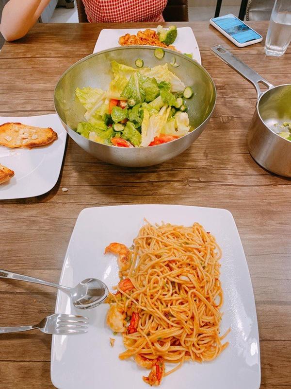 Chăm nấu cơm cho vợ 9x xinh đẹp,Dương Khắc Linh cũng nhận lại kết quả ấm lòng-6