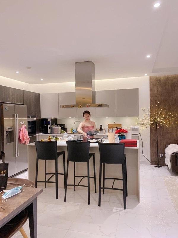 Chăm nấu cơm cho vợ 9x xinh đẹp,Dương Khắc Linh cũng nhận lại kết quả ấm lòng-7