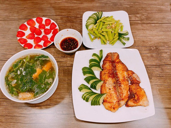 Chăm nấu cơm cho vợ 9x xinh đẹp,Dương Khắc Linh cũng nhận lại kết quả ấm lòng-8