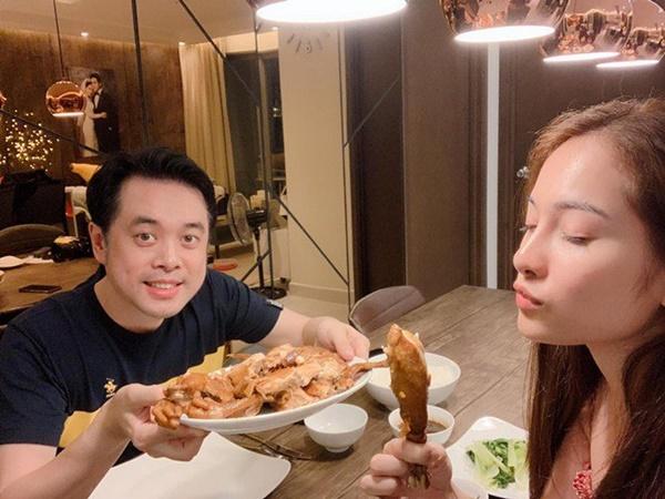 Chăm nấu cơm cho vợ 9x xinh đẹp,Dương Khắc Linh cũng nhận lại kết quả ấm lòng-9