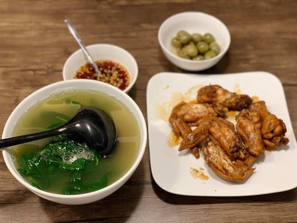 Chăm nấu cơm cho vợ 9x xinh đẹp,Dương Khắc Linh cũng nhận lại kết quả ấm lòng-17