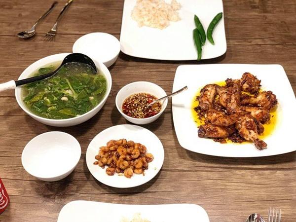 Chăm nấu cơm cho vợ 9x xinh đẹp,Dương Khắc Linh cũng nhận lại kết quả ấm lòng-19