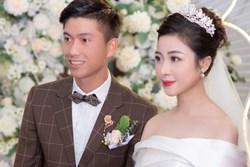 Nhật Linh (vợ Phan Văn Đức) tiết lộ nỗi khổ khi yêu cầu thủ nổi tiếng: Rất áp lực, mấy tháng đầu tôi hay tủi thân khóc, bỏ ăn, đòi bỏ cả anh ấy