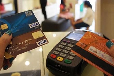 Dùng thẻ tín dụng nhất định lưu ý điều này để không rơi vào 'cái bẫy ngọt ngào'