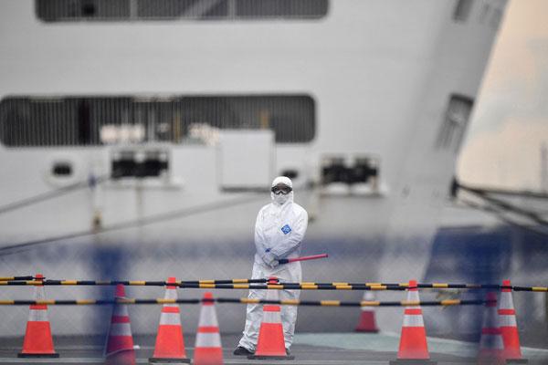 Sau 2 trường hợp tử vong, du thuyền ở Nhật tiếp tục ghi nhận thêm hơn chục ca nhiễm Covid-19, nâng tổng số người nhiễm lên 626-1