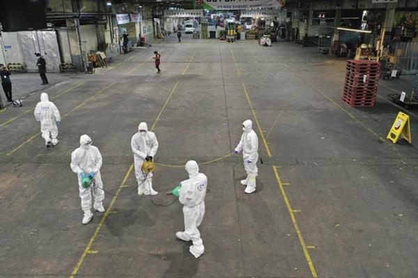 Thành phố Daegu đóng cửa đìu hiu sau khi trở thành tâm dịch virus corona lớn nhất Hàn Quốc, vào diện chăm sóc đặc biệt-11