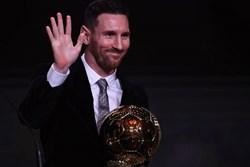 3 điều Messi cần làm để tiếp tục cho Ronaldo