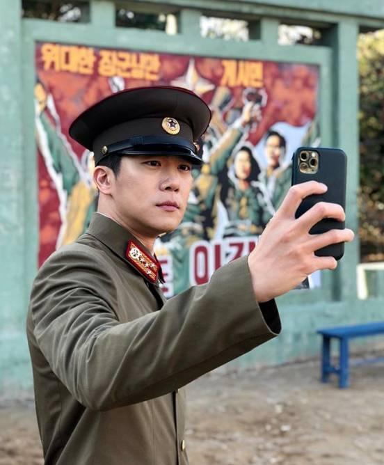 """Anh trai"""" của Hyun Bin: Sở hữu ngoại hình cực phẩm, học lực thuộc hàng khủng nhưng lại mắc bệnh nhát gái-2"""