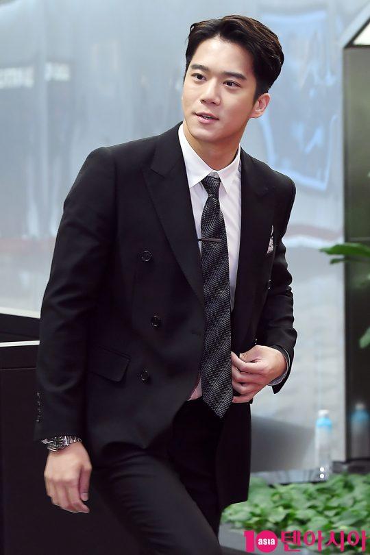 """Anh trai"""" của Hyun Bin: Sở hữu ngoại hình cực phẩm, học lực thuộc hàng khủng nhưng lại mắc bệnh nhát gái-16"""