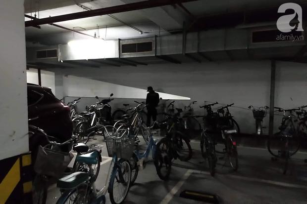 Hà Nội: Cư dân chung cư cao cấp phẫn nộ phát hiện bảo vệ tè bậy ngay tại tầng hầm-1
