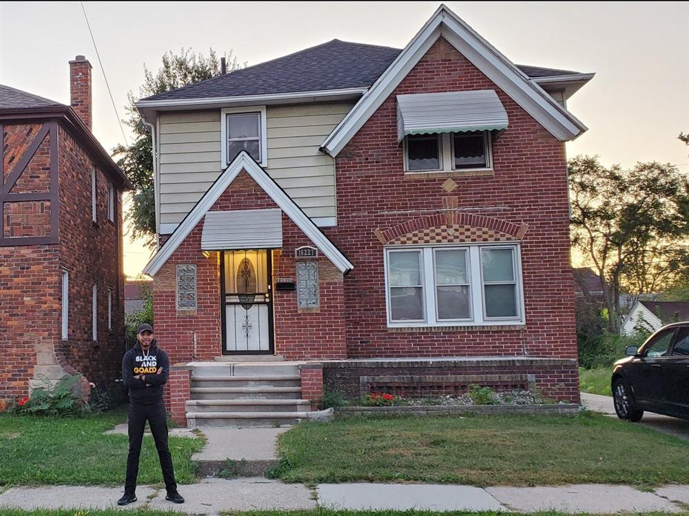 Mua nhà hoang tồi tàn với giá 50 triệu, chàng trai trẻ sửa thành biệt thự mới toanh tặng mẹ già-12