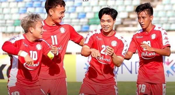 CLB TPHCM với bom xịt Lee Nguyễn và câu chuyện V-League-2