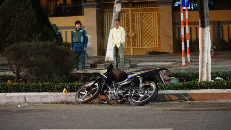 Chạy xe máy tốc độ cao tông vào con lươn ven đường, người đàn ông chết thảm-3