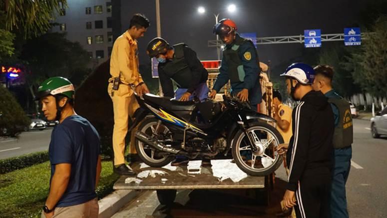Chạy xe máy tốc độ cao tông vào con lươn ven đường, người đàn ông chết thảm-4