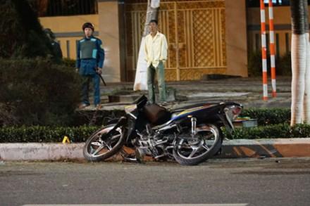 Chạy xe máy tốc độ cao tông vào con lươn ven đường, người đàn ông chết thảm