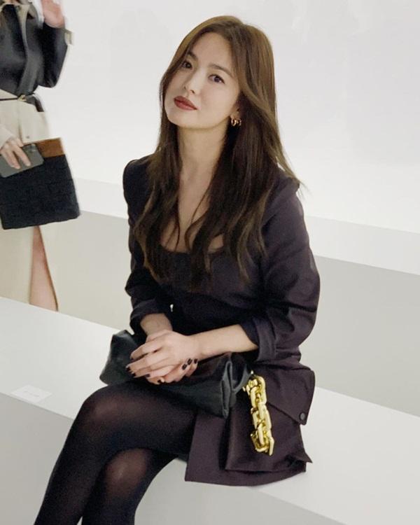 Trời ơi Song Hye Kyo ma mị ngút ngàn tại trời Tây, thần thái xuất sắc đến mức không thể rời mắt-8