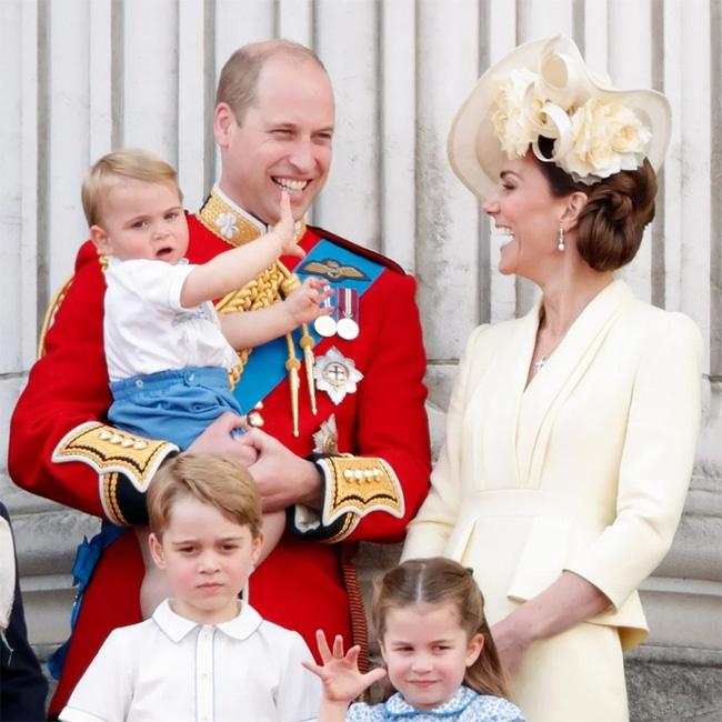 Nữ Công tước Kate Middleton thừa nhận có lỗi với con, nhưng cách dạy con của cô khiến nhiều người tâm phục khẩu phục-2
