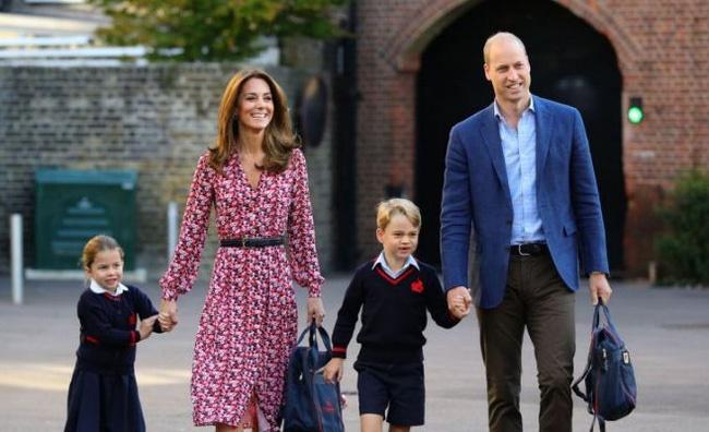 Nữ Công tước Kate Middleton thừa nhận có lỗi với con, nhưng cách dạy con của cô khiến nhiều người tâm phục khẩu phục-3