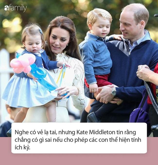 Nữ Công tước Kate Middleton thừa nhận có lỗi với con, nhưng cách dạy con của cô khiến nhiều người tâm phục khẩu phục-5