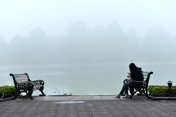 Dự báo thời tiết ngày 24/2, Hà Nội ấm lên, trời nồm ẩm khó chịu-1
