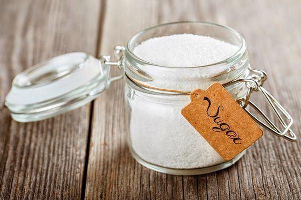 Cho một ít gạo vào trong hũ muối, tưởng ngớ ngẩn nhưng hiệu quả bất ngờ-1