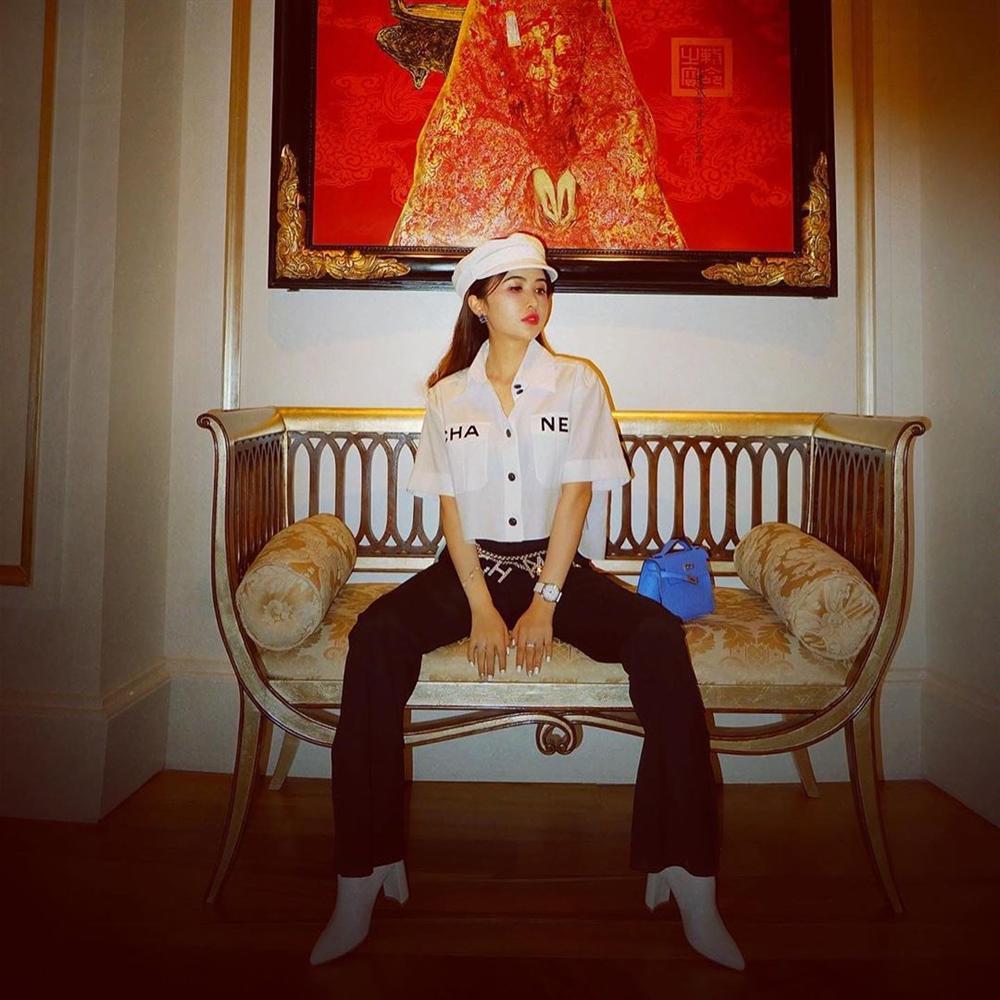 Vợ đại gia Minh Nhựa bắt trend hơi chậm, chẳng ngại so kè style từ Phượng Chanel đến Jennie-2