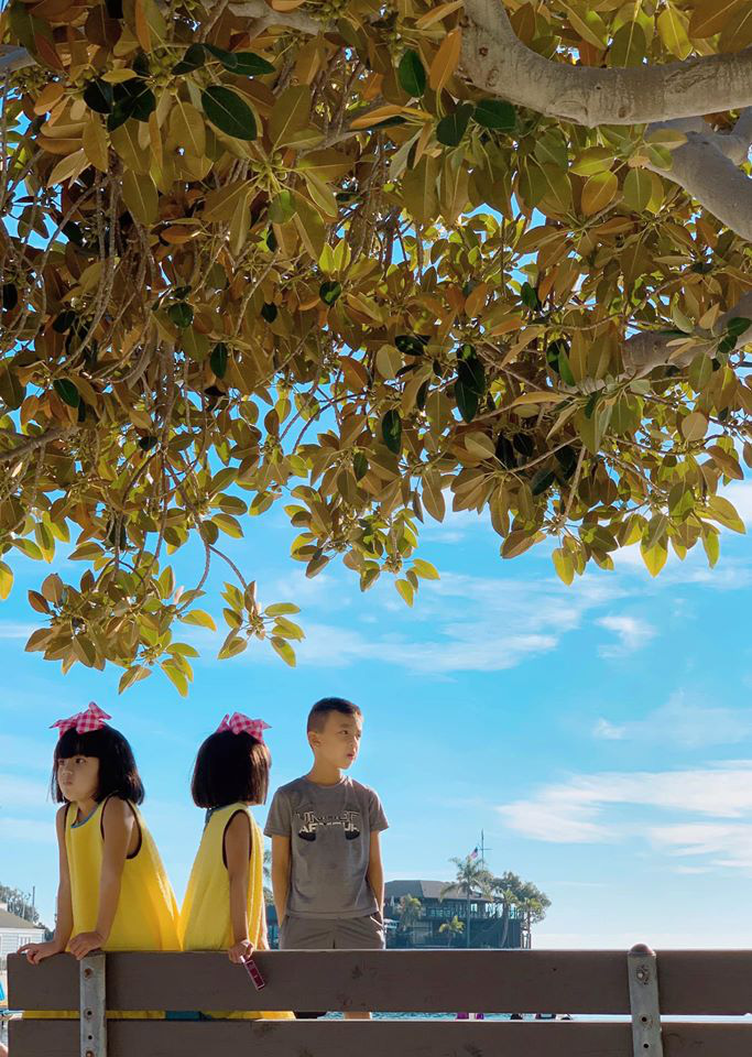 3 cặp sinh đôi nhà sao Việt nổi như cồn trên mạng xã hội: Bé con lai đã lớn phổng phao như thiếu nữ, cùng bố mẹ sống đầy trải nghiệm nơi trời Tây-40