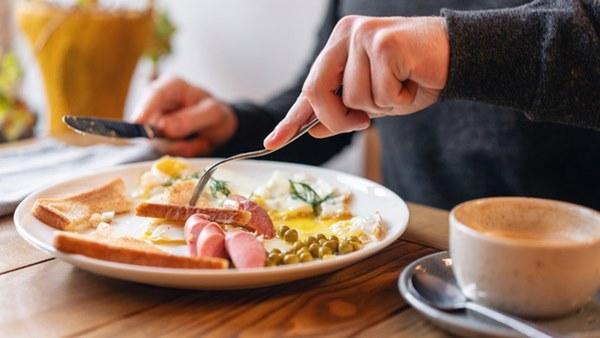 Duy trì thói quen ăn sáng theo cách này, chị em sẽ giảm cân trông thấy lại còn ngừa ung thư cực tốt-1