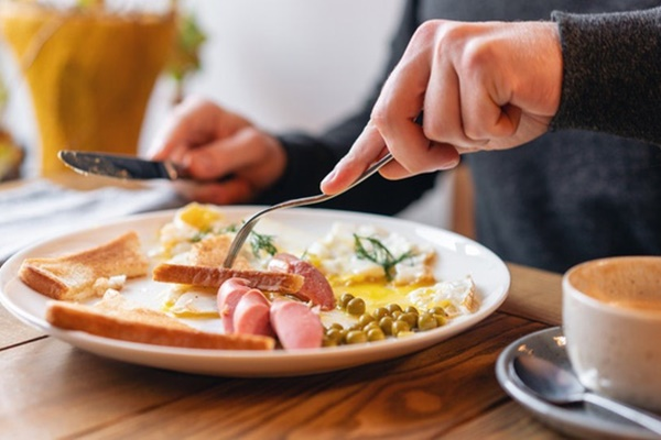 Thói quen ăn sáng  giúp giảm cân và ngừa bệnh ung thư
