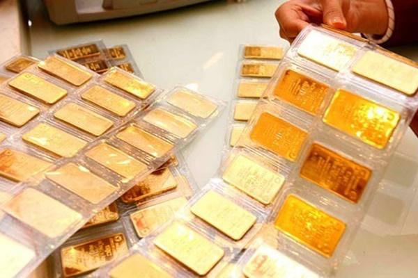 Vàng chạm mốc 49 triệu đồng/lượng, 1 ngày tăng giá khốc liệt-1