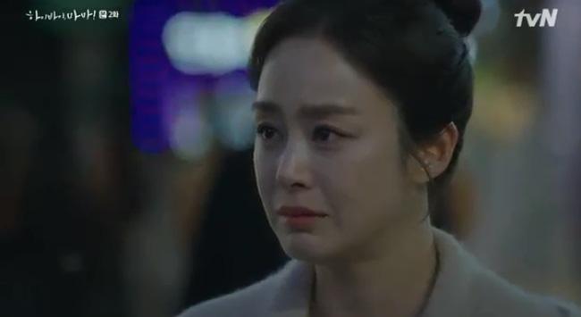 Hi Bye, Mama tập 2: Kim Tae Hee nghẹn ngào nhìn chồng sánh bước bên vợ mới, chạm mặt nhau nhưng không nhận ra-3