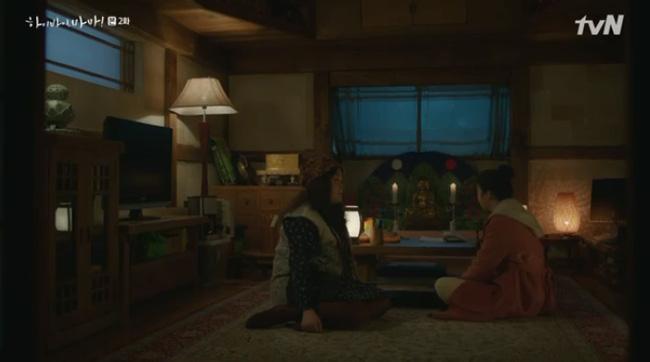 Hi Bye, Mama tập 2: Kim Tae Hee nghẹn ngào nhìn chồng sánh bước bên vợ mới, chạm mặt nhau nhưng không nhận ra-6
